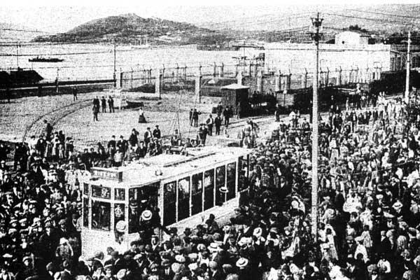 Primeira_saida_do_tranvia_Vigo_09-08-1914